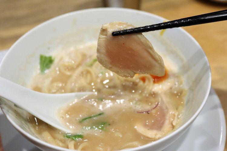 カネオカラーメン 鶏白湯ラーメン3
