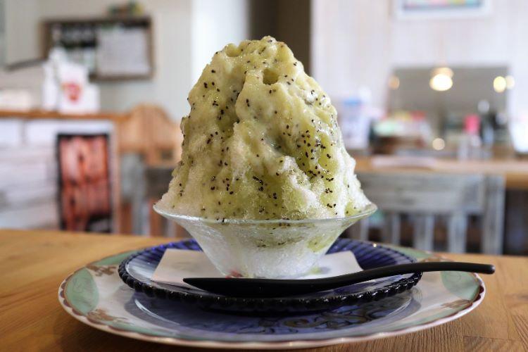 ジョイシェアカフェ キウイのかき氷1