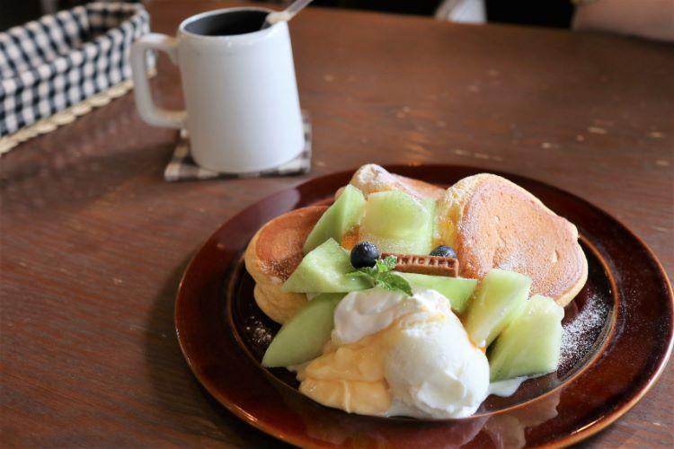モリカフェ メロンとカスタードのパンケーキ1