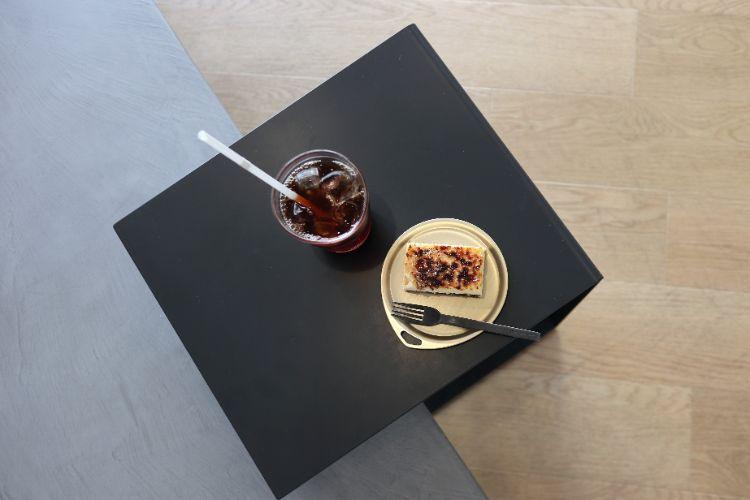 ピースフル コーヒーとチーズケーキ1