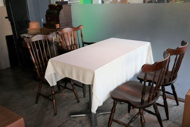 凸凹舎 4名掛けテーブル