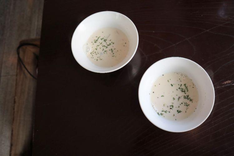 凸凹舎 スープ