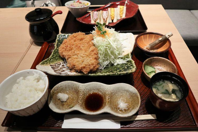 咲々亭 黒豚ロースかつ定食1