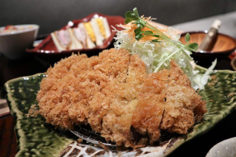 咲々亭 黒豚ロースかつ定食2