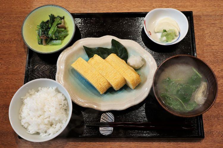 前田食研 だし巻き玉子定食1
