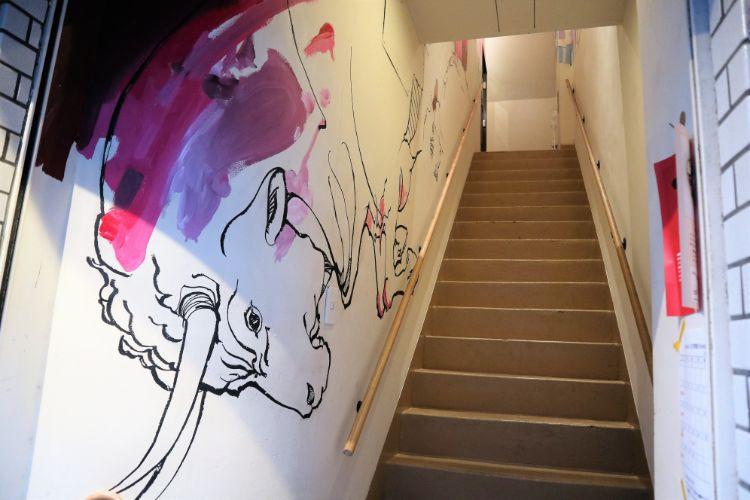 グラッチェ 階段