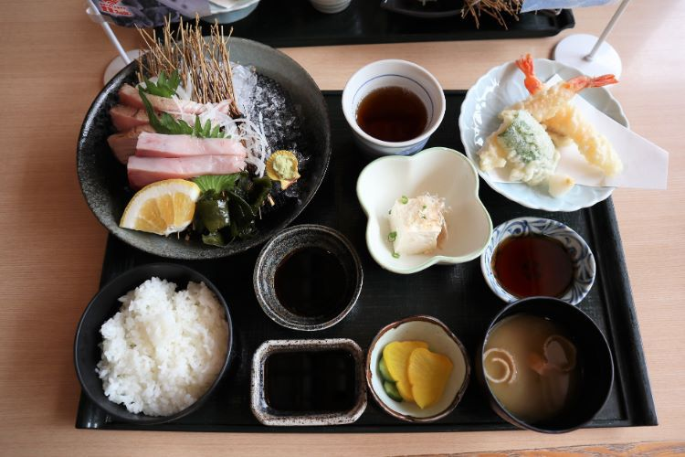 ゆらり内海 媛スマの炙りと刺身御膳11