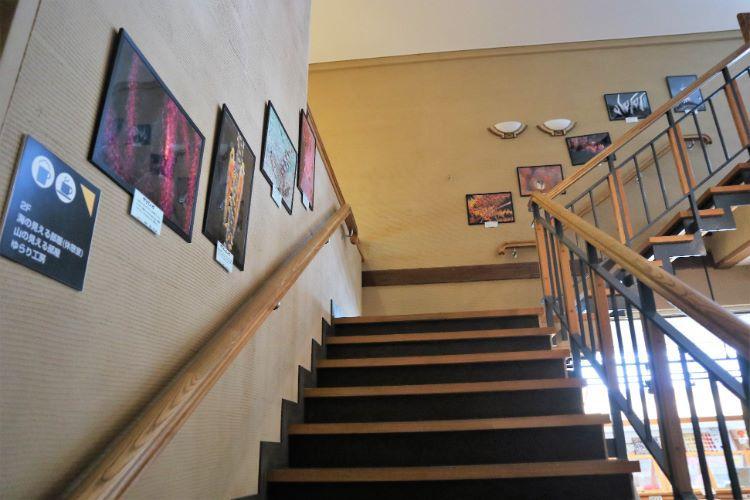 ゆらり内海 無料休憩所への階段