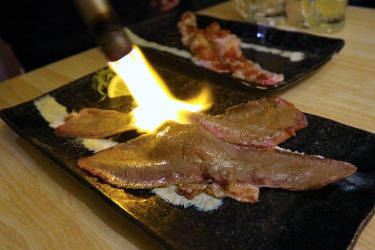 花道 牛タンの炙り1