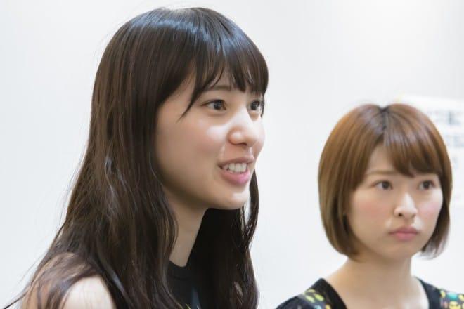 奥村真友里さんと河野穂乃花さん