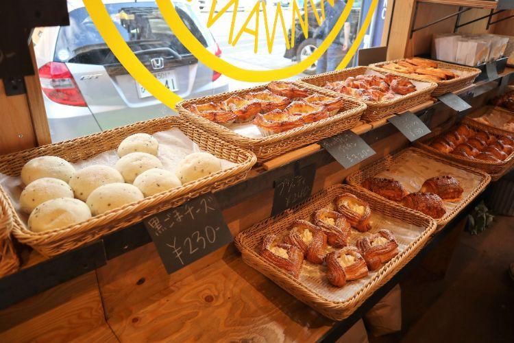 RIZ 店内のパン3