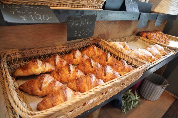 RIZ 店内のパン5