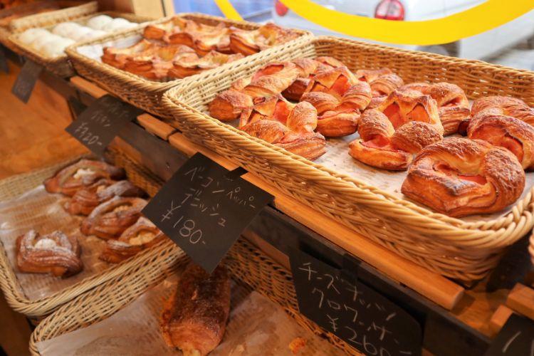RIZ 店内のパン6