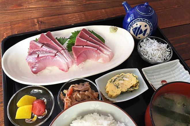 Cafe warm 魚夢 刺身定食
