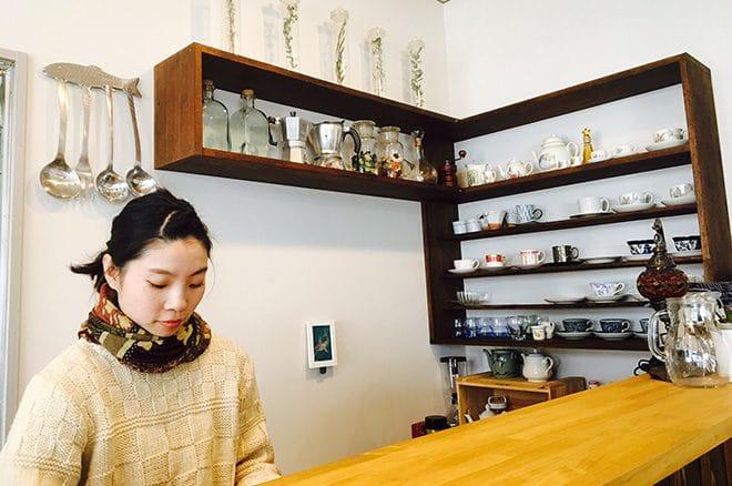 Cafe warm 魚夢 店内カウンター