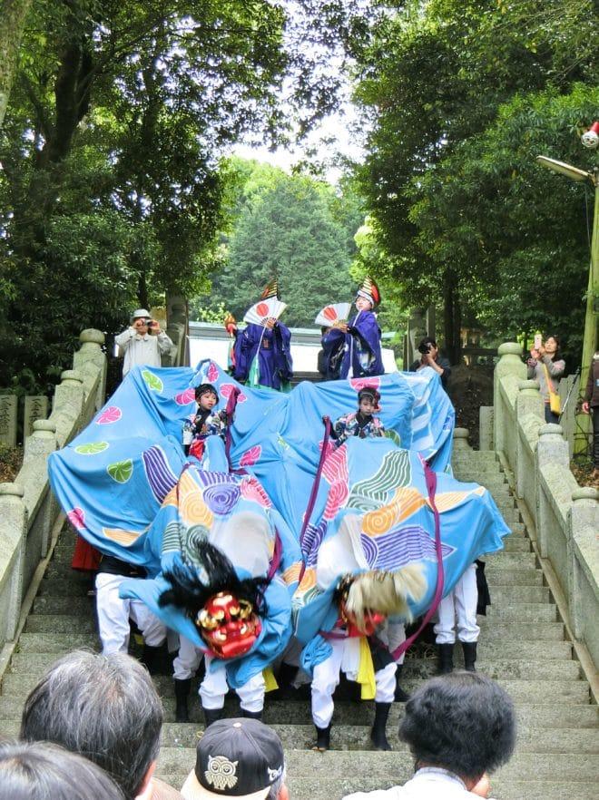 神宮野間神社獅子舞
