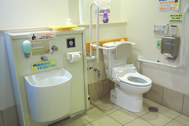 てくるん_多目的トイレ1