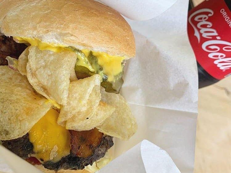 The Californian BBQ PIT_クラッシックバーガー