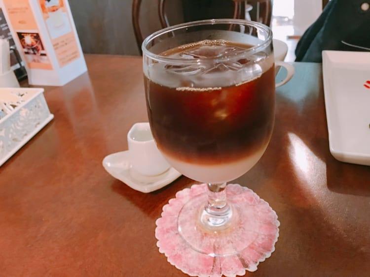 Coffee&Gallery珈壇_アイスカフェオレ