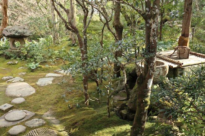 臥龍山荘庭1