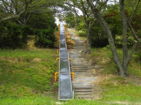 開山公園巨大スライダー
