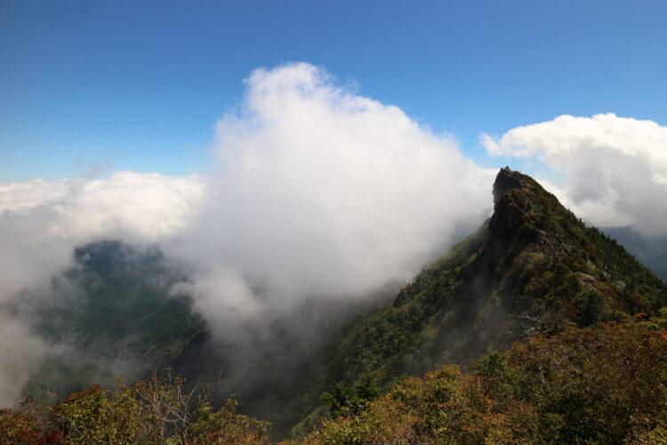 石鎚山遠景