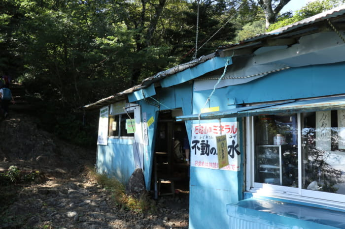 前社ヶ森小屋1