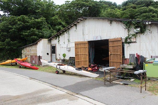 上島町佐島シーカヤック体験艇庫外観