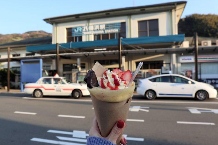 ぼぬーる クレープと八幡浜駅